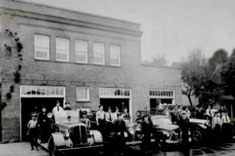 Historic photo of the Bend fire station on Minnesota Ave during the 1940's.